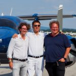 Glückliche Piloten bei der Übergabe der neuen DA62 für WeFly